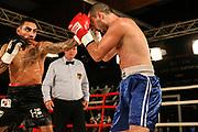 Boxen: Hafen Rumble, Intern. Deutsche Meisterschaft, Super-Leichtgewicht, Hamburg, 22.09.2018<br /> Artem Harutyunayan (GER) - Merab Tukadze (GEO)<br /> © Torsten Helmke