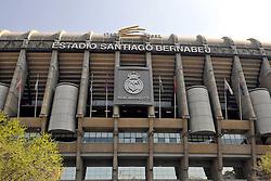 THEMENBILD, ESTADIO SANTIAGO BERNABEU, es ist das Fußballstadion des spanischen Vereins Real Madrid. Es liegt im Zentrum der Stadt Madrid im Viertel Chamartin. Seit der letzten Modernisierung im Jahr 2005 fasst es 80.354 Zuschauer und ist seit 14. November 2007 als UEFA-Elite-Stadion ausgezeichnet, der hoechsten Klassifikation des Europaeischen Fußballverbandes. Das Stadion wurde am 14. Dezember 1947 als Nuevo Estadio Chamartin mit 75.000 Plaetzen offiziell eroeffnet. Am 14. Januar 1955 stimmte die Mitgliederversammlung des Klubs für die Umbenennung des Stadions zu Ehren des damaligen Vereinspraesidenten Santiago Bernabeu, nach dessen Vision die Spielstaette gebaut wurde. Im Bild Aussenansicht des Stadions. Bild aufgenommen am 27.03.2012. EXPA Pictures © 2012, PhotoCredit: EXPA/ Eibner/ Michael Weber..***** ATTENTION - OUT OF GER *****