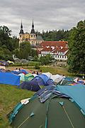 Święta Lipka, 2006-05-06. Pole namiotowe pielgrzymów pod Sanktuarium Maryjnym w Świętej Lipce