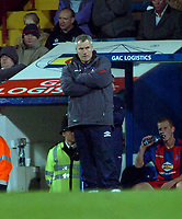 Photo: Kevin Poolman.<br />Crystal Palace v Colchester United. Coca Cola Championship. 09/12/2006. A very unhappy Palace boss Peter Taylor watches on.