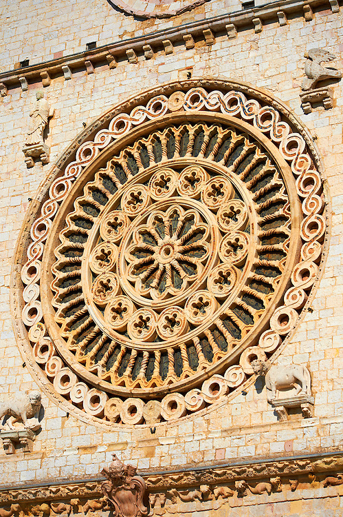 Romanesque Rose window of the Papal Basilica of St Francis of Assisi, ( Basilica Papale di San Francesco ) Assisi, Italy .<br /> <br /> Visit our ITALY HISTORIC PLACES PHOTO COLLECTION for more   photos of Italy to download or buy as prints https://funkystock.photoshelter.com/gallery-collection/2b-Pictures-Images-of-Italy-Photos-of-Italian-Historic-Landmark-Sites/C0000qxA2zGFjd_k .<br /> <br /> Visit our MEDIEVAL ART PHOTO COLLECTIONS for more   photos  to download or buy as prints https://funkystock.photoshelter.com/gallery-collection/Medieval-Middle-Ages-Art-Artefacts-Antiquities-Pictures-Images-of/C0000YpKXiAHnG2k