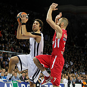 Anadolu Efes's Sasha Vujacic (L) during their Turkish Airlines Euroleague Basketball playoffs Game 4 Anadolu Efes between Olympiacos at Abdi ipekci Arena in Istanbul, Turkey, Friday, April 19, 2013. Photo by Aykut AKICI/TURKPIX