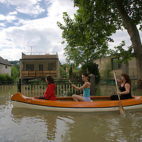 Hungary's main river Danube flooded areas surrounding the capital city Budapest, causing difficulties in traffic, Hungary. Sunday, 28. June 2009. ATTILA VOLGYI