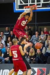 13-03-2011 BASKETBAL: HEREN ALL STAR GALA: ZWOLLE<br /> Markel Humphrey USA (Magixx Nijmegen) wordt MVP van de wedstrijd, dunk<br /> ©2011-WWW.FOTOHOOGENDOORN.NL / Peter Schalk