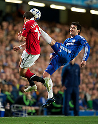 06.04.2011, Stamford Bridge, London, ENG, UEFA CL, Viertelfinale, Hinspiel, Chelsea FC (ENG) vs Manchester United (ENG), im Bild Chelsea's Yuri Zhirkov and Manchester United's Javier Hernandez during the UEFA Champions League Quarter-Final 1st leg match at Stamford Bridge, EXPA Pictures © 2011, PhotoCredit: EXPA/ Propaganda/ D. Rawcliffe *** ATTENTION *** UK OUT!