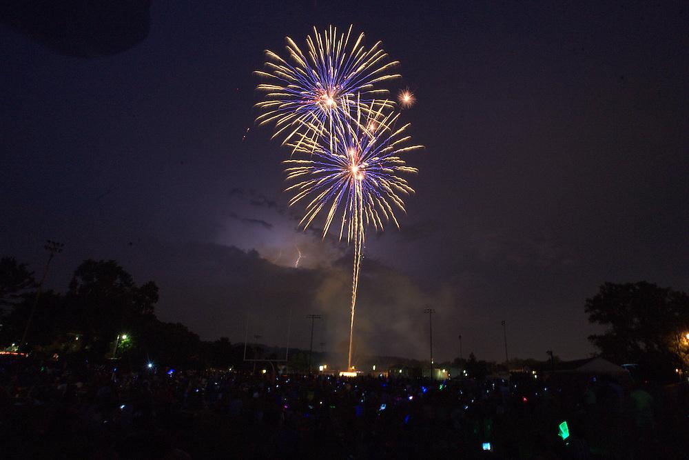 Waltham, MA 07/04/2012.July 4 fireworks explode over Leary Field in Waltham on Wednesday night..Alex Jones / www.alexjonesphoto.com