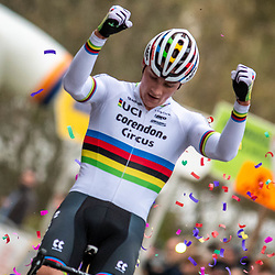 2019-11-17 Cycling: dvv verzekeringen trofee: Flandriencross: Mathieu van der Poel invincible in Hamme