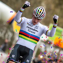 2019-11-17 Cycling: dvv verzekeringen trofee: Flandriencross: Mathieu van der Poel invincible in Hamme