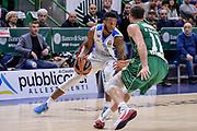 DESCRIZIONE : Eurolega Euroleague 2015/16 Group D Dinamo Banco di Sardegna Sassari - Darussafaka Dogus Istanbul<br /> GIOCATORE : MarQuez Haynes<br /> CATEGORIA : Palleggio<br /> SQUADRA : Dinamo Banco di Sardegna Sassari<br /> EVENTO : Eurolega Euroleague 2015/2016<br /> GARA : Dinamo Banco di Sardegna Sassari - Darussafaka Dogus Istanbul<br /> DATA : 19/11/2015<br /> SPORT : Pallacanestro <br /> AUTORE : Agenzia Ciamillo-Castoria/L.Canu