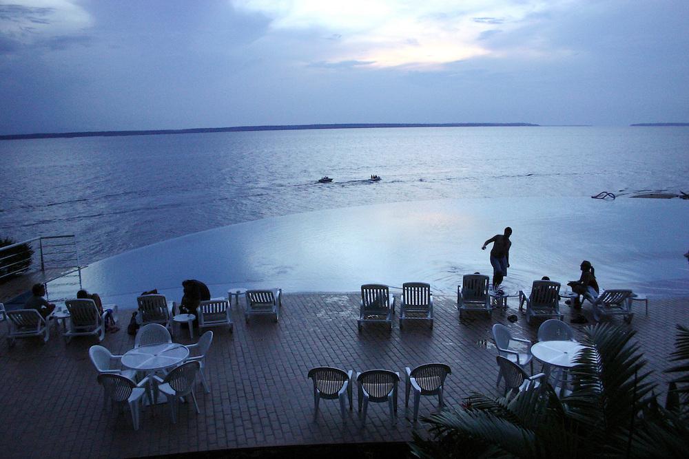 Manaus_AM, Brasil.<br /> <br /> Hotel Tropical em frente a praia da Ponta Negra as margens do Rio Negro em Manaus, Amazonas.<br /> <br /> Tropical Hotel in front of the Ponta Negra beach in the Negro River, Amazonas.<br /> <br /> Foto: JOAO MARCOS ROSA / NITRO