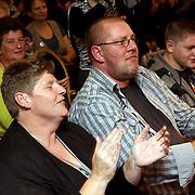 NLD/Eemnes/20081020 - Premiere Dries Roelvink film, aankomst cast, René de de Wit en partner Rikkie de Wit