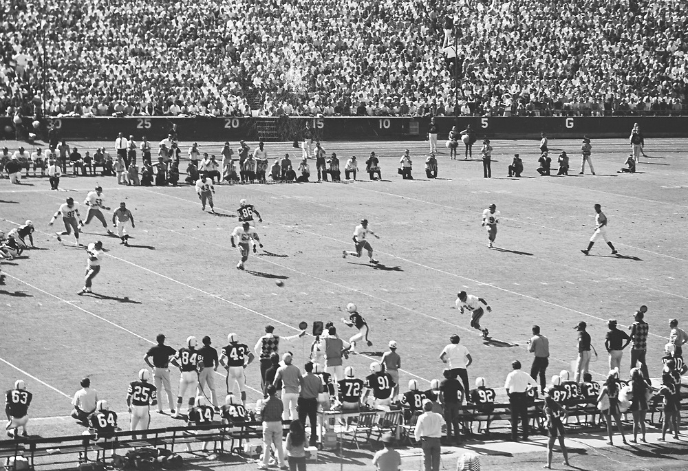 COLLEGE FOOTBALL:  Stanford vs USC (#4 ranking) on October 10, 1970 at Stanford Stadium in Palo Alto, California.  Stanford won by a final score of 24-14.  Receiver Randy Vataha #18 awaits the ball.  Photograph by David Madison / www.davidmadison.com.  R0067