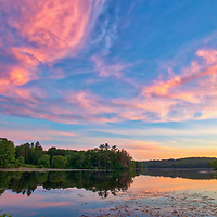Sunset photography from Lake Waban in Wellesley Massachusetts. This Massachusetts lake with Wellesley College nearby are inspiring and a fantastic New England location to visit and to get lost with a camera.<br />