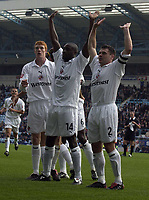 Fotball<br /> England 2004/2005<br /> Foto: SBI/Digitalsport<br /> NORWAY ONLY<br /> <br /> 30.10.2004<br /> Coventry City v Reading <br /> Coca Cola Championship<br /> <br /> Lloyd Owusu celebrates his opener with Graeme Murty of Reading.