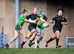 Emily Scott of Harlequins passes the ball - Mandatory by-line: Andy Watts/JMP - 06/02/2021 - Sandy Park - Exeter, England - Exeter Chiefs Women v Harlequins Women - Allianz Premier 15s