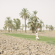 Outskirts of Jacobabad city. It is 52 degrees C.