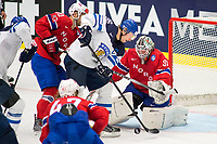 Ishockey<br /> VM 2015<br /> 04.05.2015<br /> Norge v Finland<br /> Foto: imago/Digitalsport<br /> NORWAY ONLY<br /> <br /> Jussi Jokinen (FIN) attempts to push the puck in the net of Goalie Lars Volden (NOR).