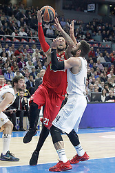 28.01.2016, Palacio de los Deportes, Madrid, ESP, FIBA, EL, Real Madrid vs Olympiacos PiraeusPlayoff, 5. Spiel, im Bild Real Madrid's Jeffery Taylor (r) and Olympimpiacos Piraeus' Daniel Hackett // during the 5th Playoff match of the Turkish Airlines Basketball Euroleague between Real Madrid and Olympiacos Piraeus at the Palacio de los Deportes in Madrid, Spain on 2016/01/28. EXPA Pictures © 2016, PhotoCredit: EXPA/ Alterphotos/ Acero<br /> <br /> *****ATTENTION - OUT of ESP, SUI*****