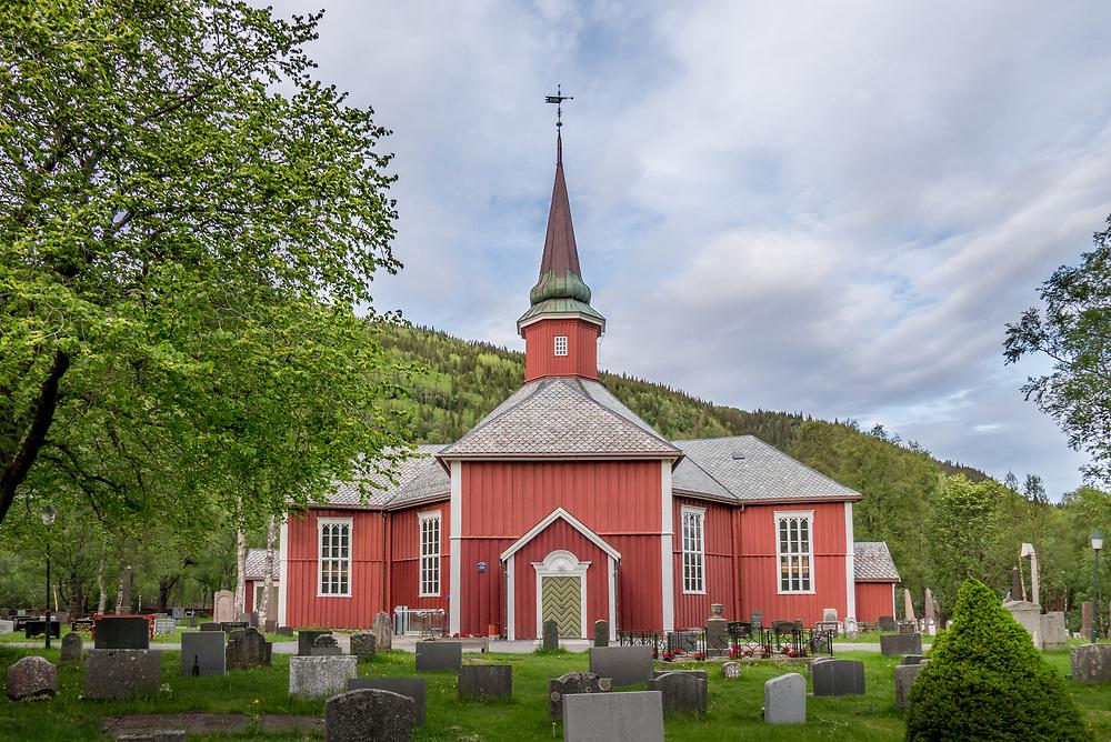 Dolstad kirke er en åttekantet korskirke i tre, som ligger i Mosjøen i Nordland.