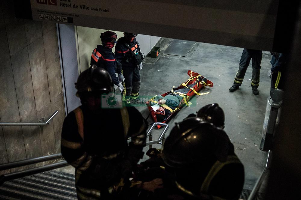 March 28, 2019 - Lyon, France - Anti-terrorist exercise in the underground metro at Croix-Rousse station in Lyon, France, on March 28, 2019. (Credit Image: © Nicolas Liponne/NurPhoto via ZUMA Press)