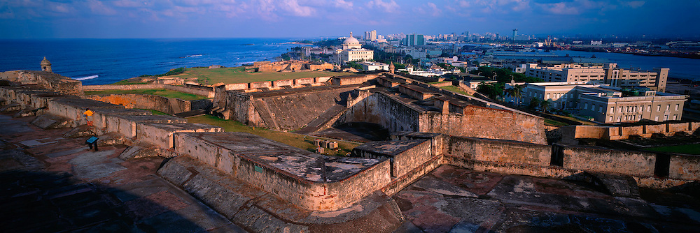 PUERTO RICO, SAN JUAN San Cristobal Fort and skyline
