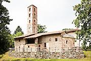 Chiesa romanica di San Pietro e Paolo, Bollengo, Torino. - Romanesque church of San Pietro e Paolo, Bollengo, Turin.