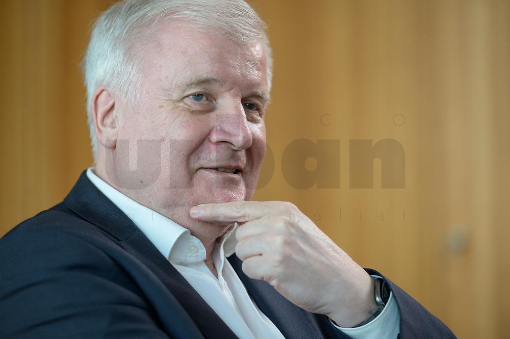 01 JUL 2019, BERLIN/GERMANY:<br /> Horst Seehofer, CSU, Bundesinnenminister, waehrend einem Interview, in seinem Buero, Bundesministerium des Inneren<br /> IMAGE: 20190701-01-010<br /> KEYWORDS: Büro