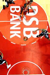 26-08-2005 BASKETBAL: NEDERLAND-BELGIE: GRONINGEN<br /> Nederland kan zich gaan opmaken voor een extra toernooi in Belgrado, waar de laatste strohalm moet worden gepakt ter handhaving in de A-groep. Dat is het gevolg van de 51-62 nederlaag / Sydmill Harris<br /> ©2005-www.fotohoogendoorn.nl