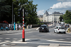 Avenue de la gare, onto the bridge over to Ville Haute and the Cité Judiciaire (city court).