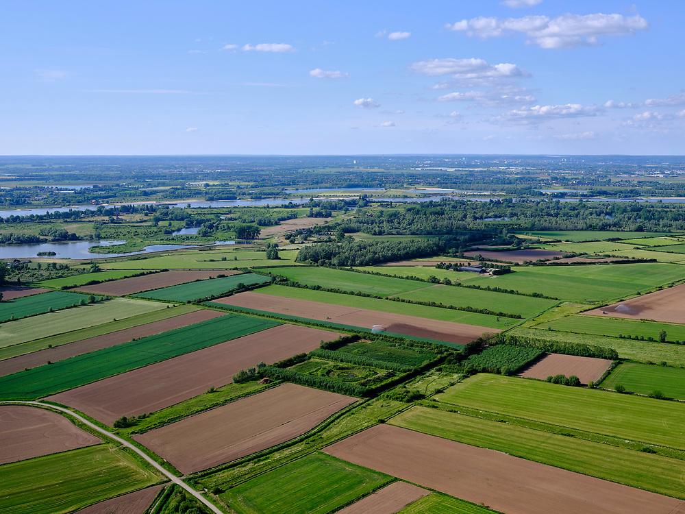 Nederland, Gelderland, GemeenteBerg en Dal; 27-05-2020. Gelderse Poort met zicht op de Ooijpolder en rivier De Waal. <br /> Gelderse Poort with a view of the Ooijpolder and the river Rhine (Waal).<br /> <br /> luchtfoto (toeslag op standaard tarieven);<br /> aerial photo (additional fee required)<br /> copyright © 2020 foto/photo Siebe Swart