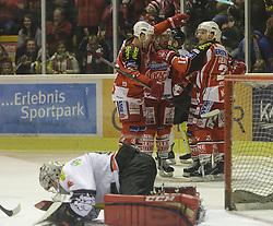 14.12.2014, Stadthalle, Klagenfurt, AUT, EBEL, EC KAC vs Dornbirner Eishockey Club, 27. Runde, im Bild Jamie Lundmark (EC KAC, #74), Jason Desantis (EC KAC, #5), Manuel Geier (EC KAC, #21), Thomas Koch (EC KAC, #18) // during the Erste Bank Icehockey League 27th round match betweeen EC KAC and Dornbirner Eishockey Club at the City Hall in Klagenfurt, Austria on 2014/12/14. EXPA Pictures © 2014, PhotoCredit: EXPA/ Gert Steinthaler