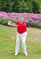 TETERINGEN - Golfpro Cees Renders tijdens instructie pitch  COPYRIGHT KOEN SUYK