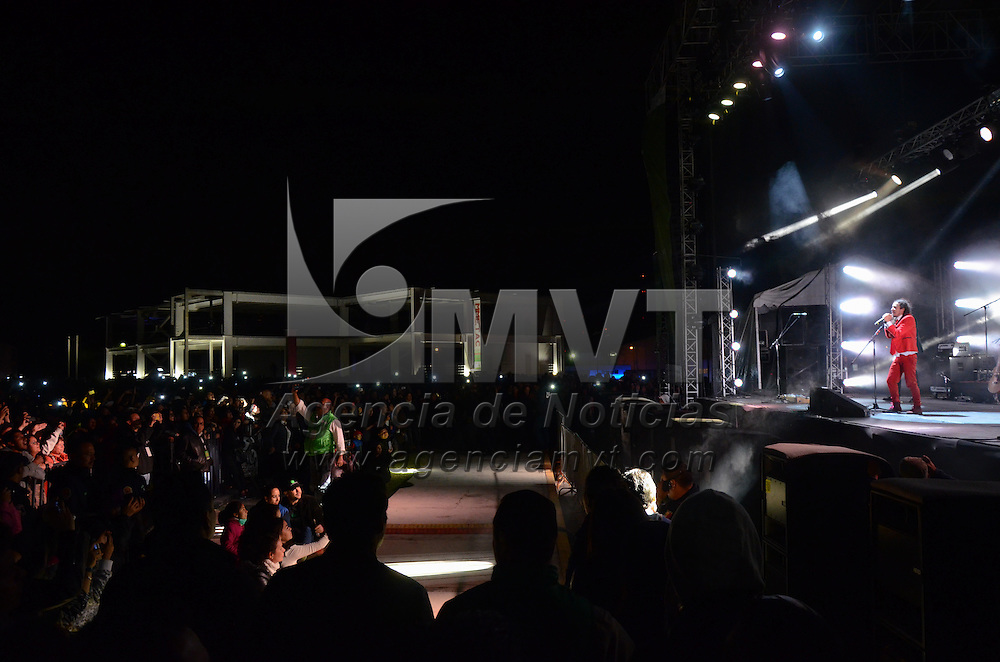 Metepec, México.- con más de 10 mil asistentes la agrupación de rock en español, Cafe Tacvba clausuró en el ex recinto ferial de Metepec la XXV edición del Festival Internacional de Arte y Cultura Quimera 2015. Agencia MVT / Arturo Hernández.