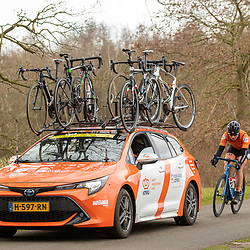 12-03-2021: Wielrennen: Healthy Ageing Tour: Wijster<br />Teamcar with cyclist