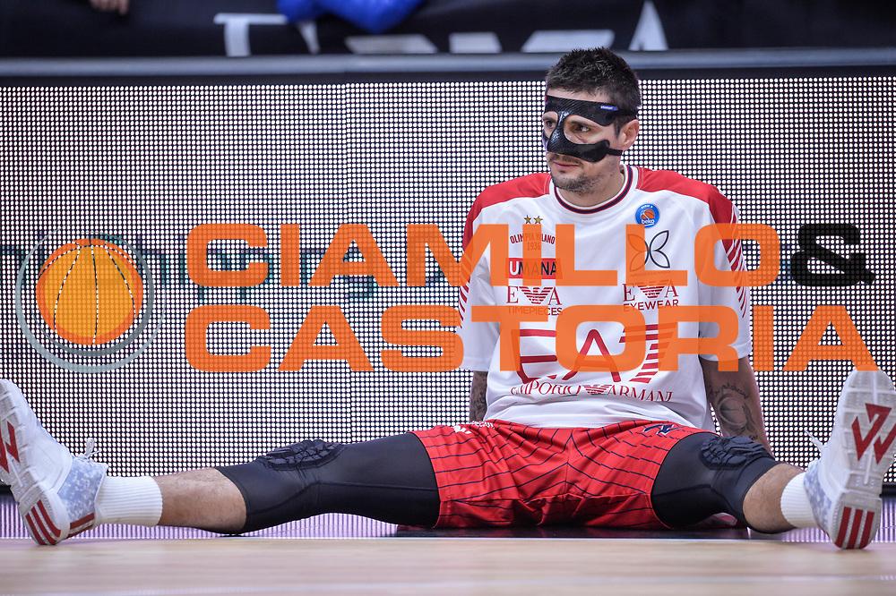 DESCRIZIONE : Milano Lega A 2015-16 Olimpia EA7 Emporio Armani Milano - Giorgio Tesi Group Pistoia<br /> GIOCATORE : Andrea Cinciarini<br /> CATEGORIA : Ritratto<br /> SQUADRA : Olimpia EA7 Emporio Armani Milano<br /> EVENTO : Campionato Lega A 2015-2016<br /> GARA : Olimpia EA7 Emporio Armani Milano Giorgio Tesi Group Pistoia<br /> DATA : 01/11/2015<br /> SPORT : Pallacanestro<br /> AUTORE : Agenzia Ciamillo-Castoria/M.Ozbot<br /> Galleria : Lega Basket A 2015-2016 <br /> Fotonotizia: Milano Lega A 2015-16 Olimpia EA7 Emporio Armani Milano - Giorgio Tesi Group Pistoia