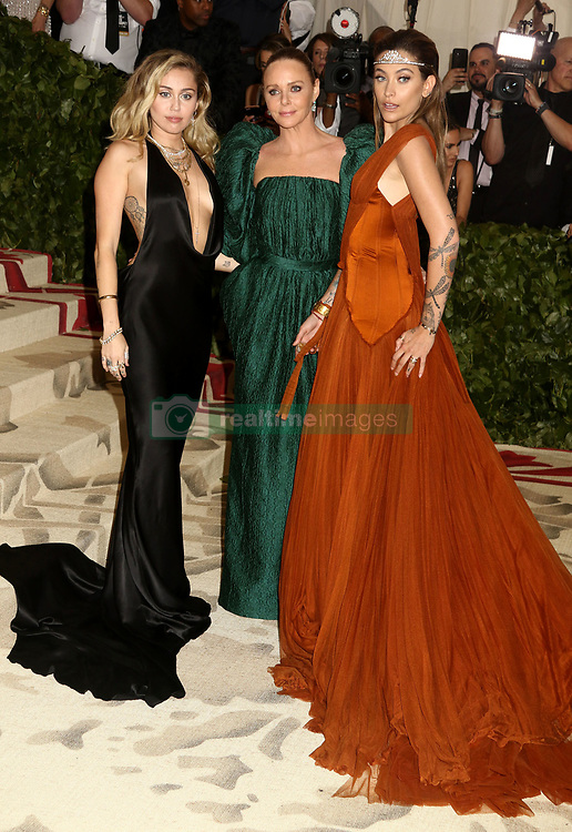 May 7, 2018 - New York City, New York, U.S. - Singer MILEY CYRUS, designer STELLA MCCARTNEY and PARIS JACKSON  attend the Costume Institute Benefit celebrating the opening of Heavenly Bodies: Fashion and the Catholic Imagination exhibit held at at The Metropolitan Museum of Art. (Credit Image: © Nancy Kaszerman via ZUMA Wire)