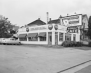 """Ackroyd 03656-1. Glendale Cafe. exterior. interiors & exterior. June 11, 1952"""" (2319 SW 4th, between Sherman St. and Caruthers St. This intersection was excavated and the land is now the I-405 freeway)"""