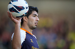 29.09.2012, Carrow Road, Norwich, ENG, Premier League, Norwich City vs FC Liverpool, 06. Runde, im Bild Liverpool's hat-trick hero Luis Alberto Suarez Diaz with the match-ball after his starring performance in the Reds' 5-2 victory over Norwich City duringthe English Premier League 06th round match between Norwich City FC and Liverpool FC at Carrow Road, Norwich, Great Britain on 2012/09/29. EXPA Pictures © 2012, PhotoCredit: EXPA/ Propagandaphoto/ David Rawcliff..***** ATTENTION - OUT OF ENG, GBR, UK *****