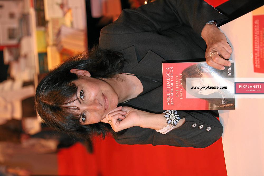 Anne Hidalgo - Salon du livre de Paris - 27/03/2007 - JSB / PixPlanete