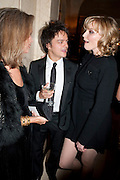 SABRINA GUINNESS; JAMIE CULLUM; DAISY LOWE, Harper's Bazaar Women Of the Year Awards 2011. Claridges. Brook St. London. 8 November 2011. <br /> <br />  , -DO NOT ARCHIVE-© Copyright Photograph by Dafydd Jones. 248 Clapham Rd. London SW9 0PZ. Tel 0207 820 0771. www.dafjones.com.