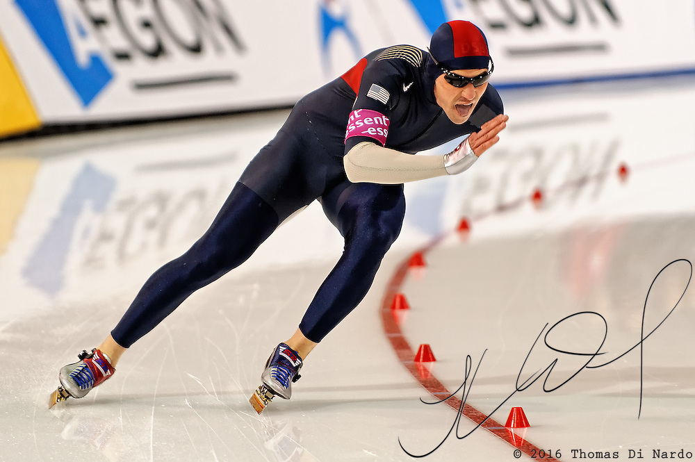 Chad Hedrick (USA) competes in the mens 1500m distance at the Essent ISU World Cup Speed Skating event held at the Utah Olympic Oval, Salt Lake City (USA) - March 6-7, 2009.