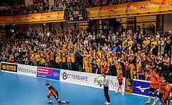 19-02-2017 NED: Bekerfinale Draisma Dynamo - Seesing Personeel Orion, Zwolle<br /> In een uitverkochte Landstede Topsporthal wint Orion met 3-1 de bekerfinale van Dynamo / Volle topsporthal publiek support Rob Jorna #10 of Orion