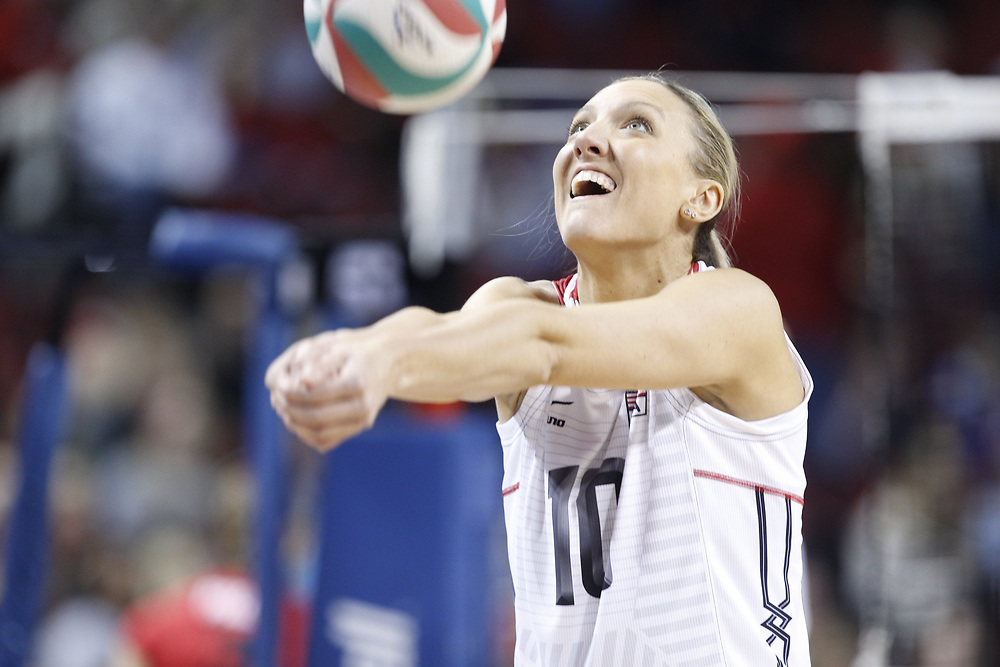 Jordan Larson #10 warms up prior to USA Volleyball's 3-0 win over Canada at Pinnacle Bank Arena in Lincoln, Neb., on Jan. 7, 2016. Photo by Aaron Babcock, Hail Varsity