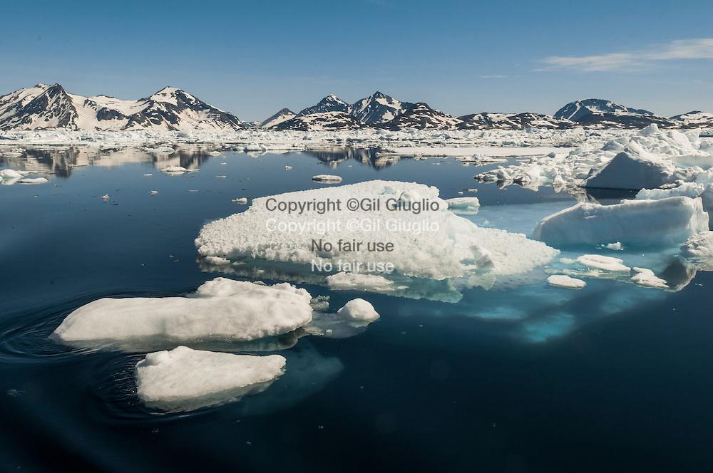 Groenland, Sermersooq, fjord entre Kummiut et Tasilaq // Greenland, Sermersooq, fjord between Kummiut and Tasilaq