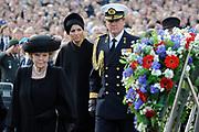 Nationale dodenherdenking op de Dam in Amsterdam .<br /> <br /> Op de foto:<br /> <br />  Koningin Beatrix, prins Willem-Alexander , prinses Maxima