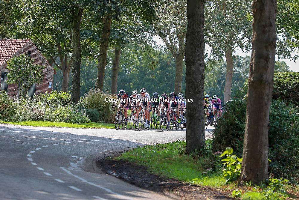 30-08-2018: Wielrennen: Ladies Tour: Gennep<br />Kopgroep die de koers kleurde met o.a.Barnes, Blaak, Brand; van Gogh