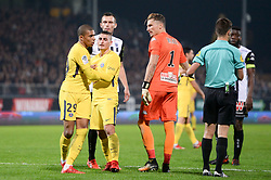 November 4, 2017 - Angers, France - 29 KYLIAN MBAPPE (psg) - 06 MARCO VERRATTI (psg) - 01 Mathieu MICHEL (sco) - COLERE - ALTERCATION (Credit Image: © Panoramic via ZUMA Press)