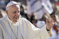 November 9, 2016 - Vatican City, Vatican - Pope Francis greets the faithful as he arrives to celebrate his Weekly General Audience in St. Peter's Square in Vatican City, Vatican on November 09, 2016. Pope Francis on Wednesday urged the faithful not to fall into indifference but to become active instruments of mercy. (Credit Image: © Giuseppe Ciccia/Pacific Press via ZUMA Wire)
