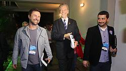 José Fortunati chega para o debate político com os candidatos à prefeitura de Porto Alegre. FOTO: Jefferson Bernardes / Preview.com