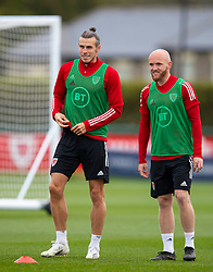 CARDIFF, WALES - Wednesday, September 2, 2020: Wales' captain Gareth Bale (L) and Jonathan Williams during a training session at the Vale Resort ahead of the UEFA Nations League Group Stage League B Group 4 match between Finland and Wales. (Pic by David Rawcliffe/Propaganda)